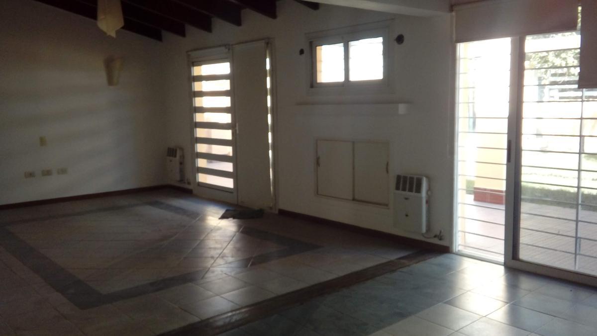 Foto Casa en Venta en  Villa Rivera Indarte,  Cordoba  Laguna Honda