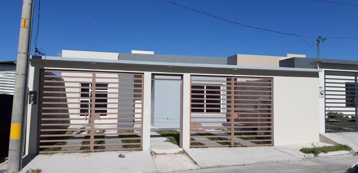 Foto Casa en Venta en  Tegucigalpa ,  Francisco Morazán  Casa de 3hab/2baños  en Altos de Sta Cruz
