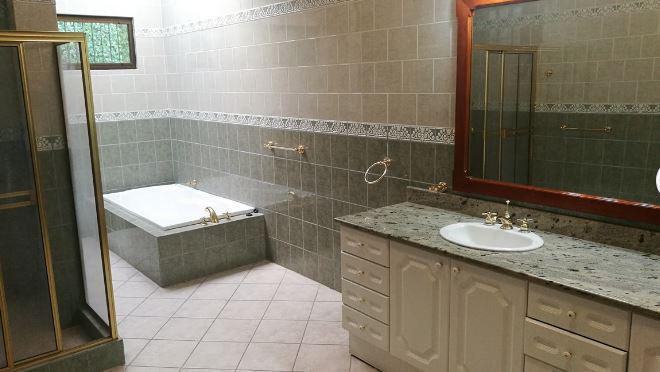 Foto Casa en Renta en  Escazu,  Escazu  Escazú/ Jardín /  555 m2 / Electrodomésticos