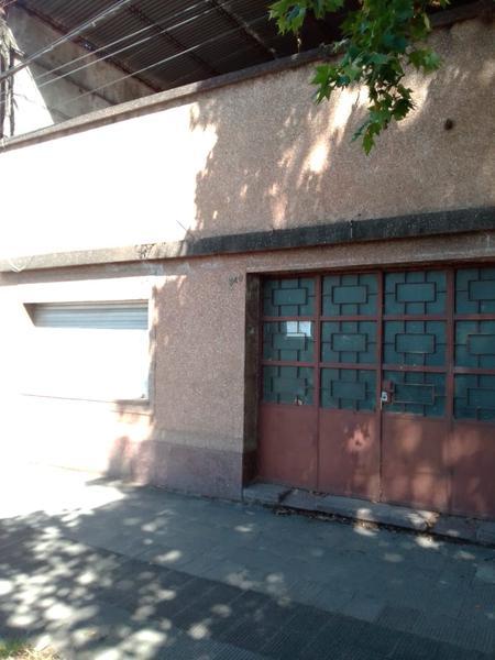 Foto Casa en Venta en  Capital ,  Tucumán   Venta casa a demoler - suipacha al 300