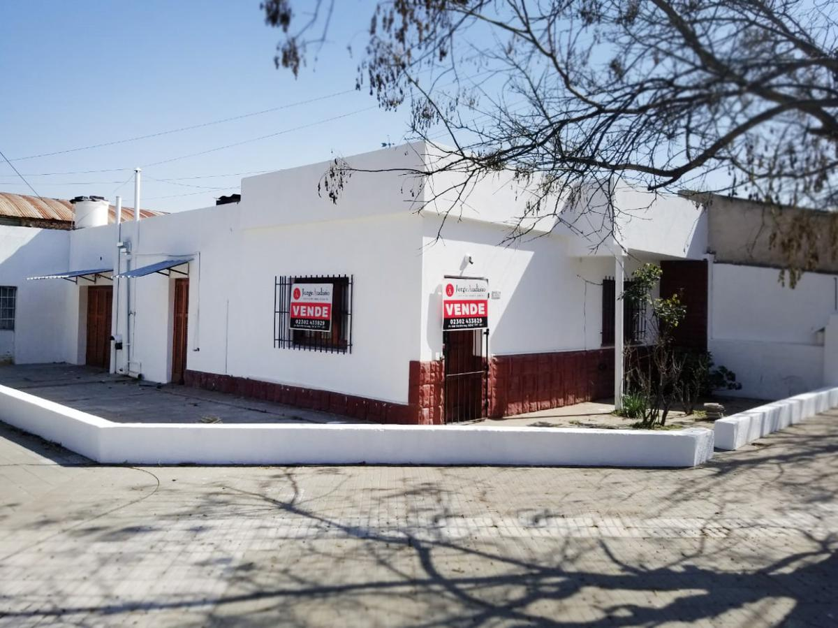 Foto Casa en Venta en  General Pico,  Maraco  Calle 13 bis esq. 110