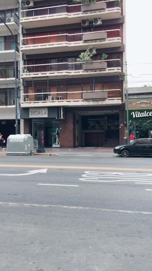 Foto Departamento en Alquiler en  Caballito ,  Capital Federal  Av. Rivadavia al 6300