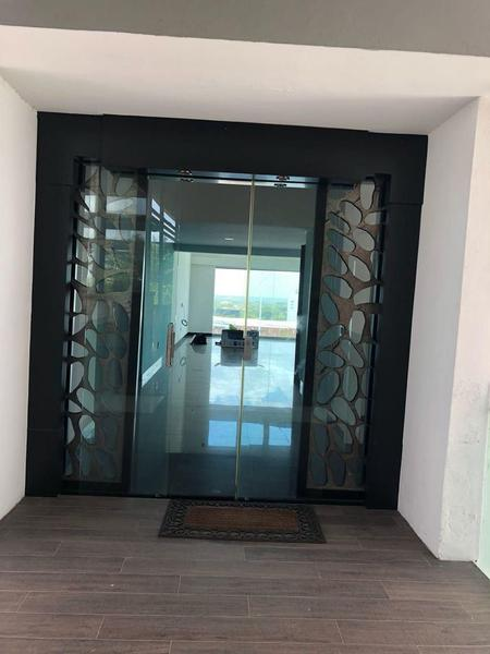 Foto Departamento en Venta | Renta en  Oropeza,  Centro  Se vende o renta Penthouse en Torre Nova