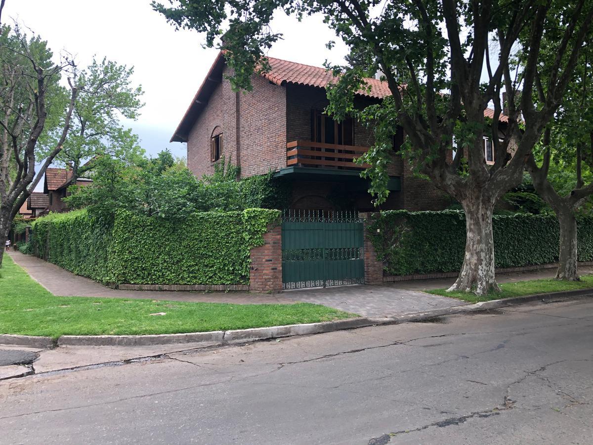 Foto Casa en Venta en  La Horqueta,  San Isidro  Carlos Tejedor N° 680, San Isidro.