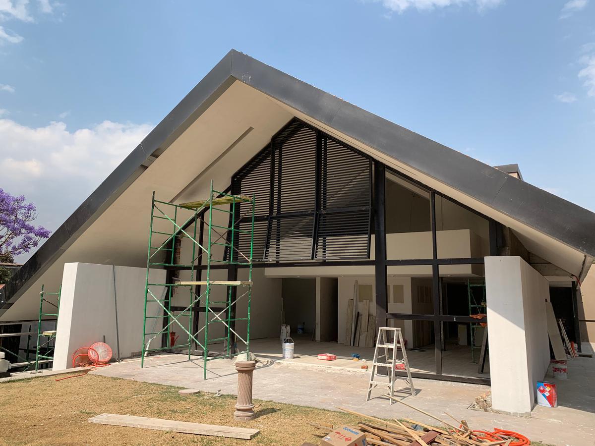 Foto Casa en Venta en  Lomas de La Herradura,  Huixquilucan  CASA EN VENTA LOMAS DE LA HERRADURA.plazuela de los misterios
