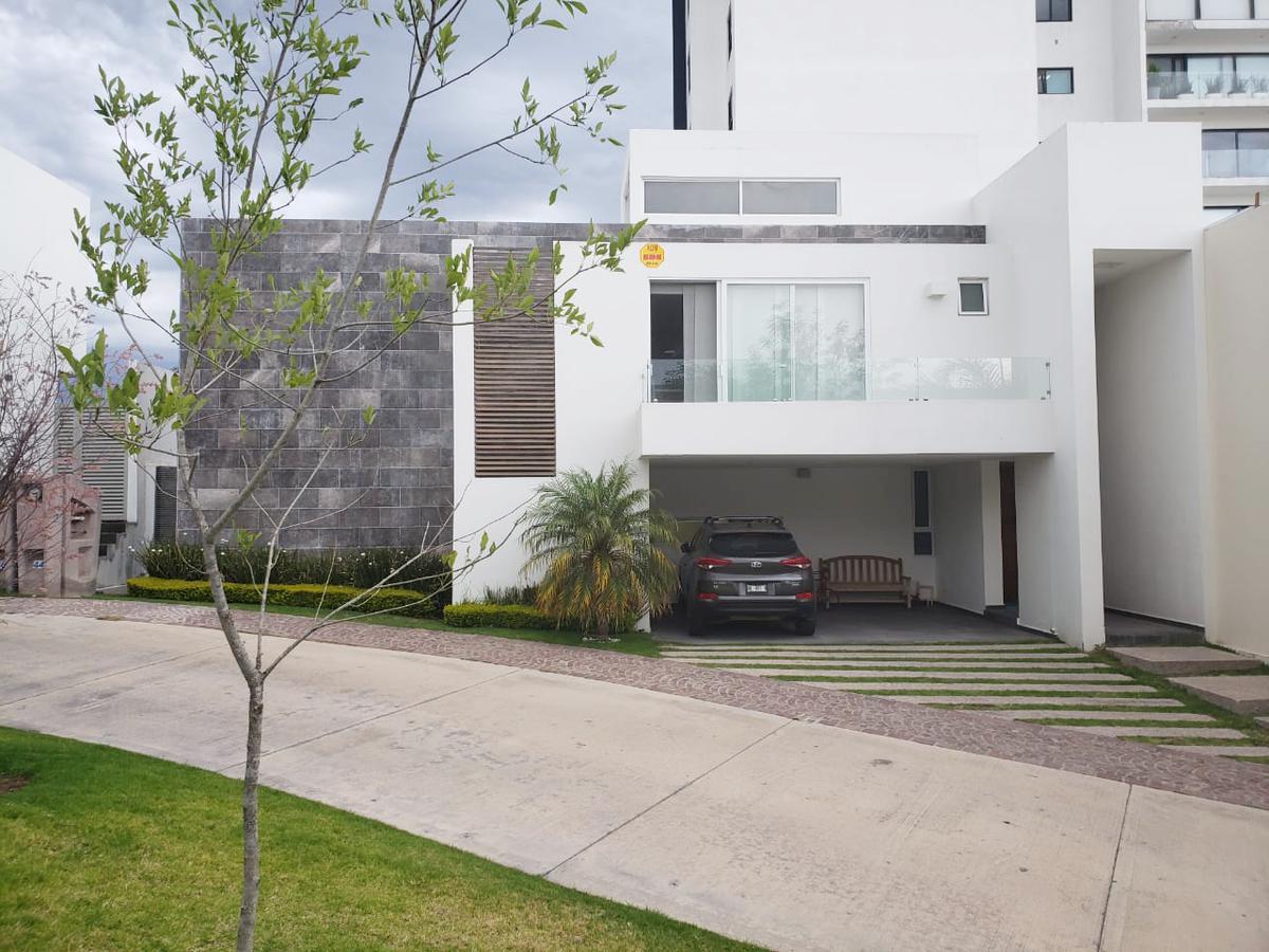 Foto Casa en Renta en  San Luis Potosí ,  San luis Potosí  CASA EN RENTA EN SIERRAZUL, SAN LUIS POTOSI
