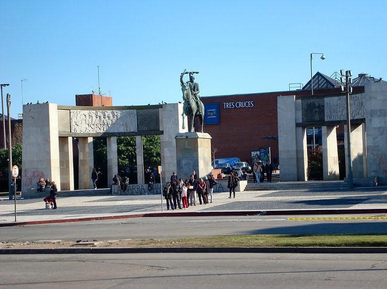 Foto Casa en Venta en  Tres Cruces ,  Montevideo  Sobre Br Artigas - a metros de Tres Cruces - Ideal Proyecto
