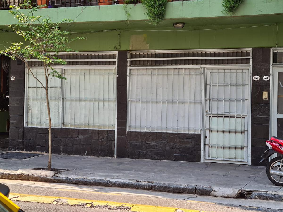 Foto Local en Venta en  Balvanera ,  Capital Federal  Ecuador al 300
