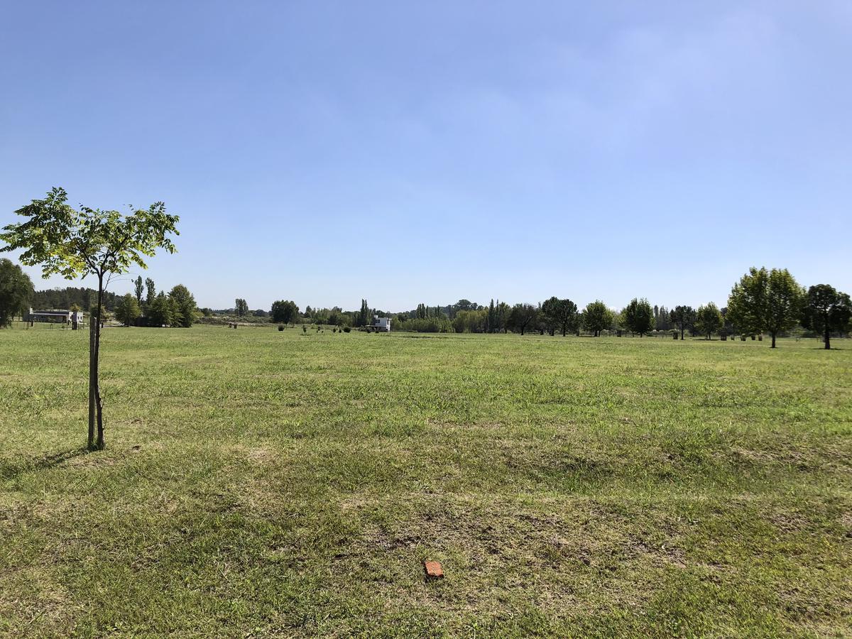 Foto Terreno en Venta en  El Campo - Fincas Exclusivas Cardales,  Countries/B.Cerrado (Campana)  Terreno de 1000m2 en Fincas El Campo