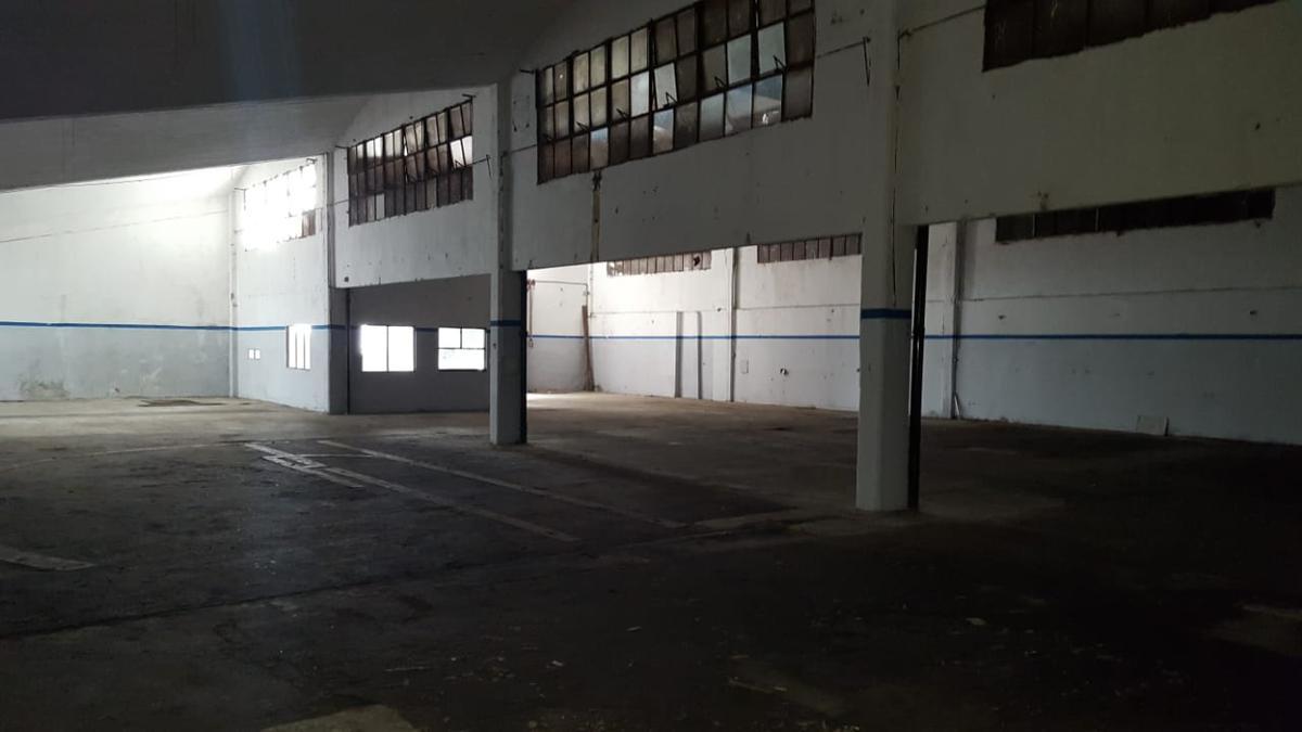 Foto Nave Industrial en Alquiler en  Vicente López ,  G.B.A. Zona Norte  Velez Sarsfield al 5700