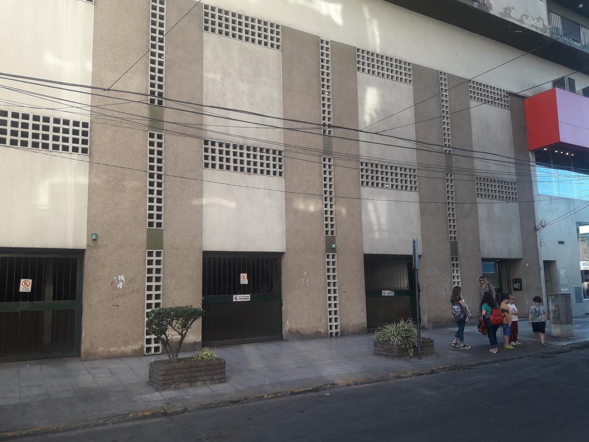 Foto Cochera en Venta en  San Miguel ,  G.B.A. Zona Norte  Rodriguez Peña al 1200