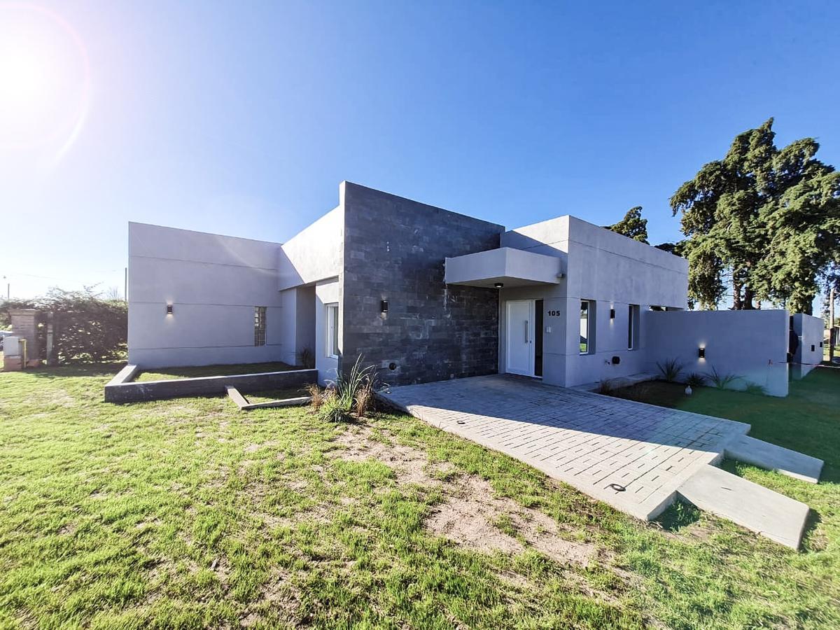 Foto Casa en Venta en  General Pico,  Maraco  Calle 464 esq. 403