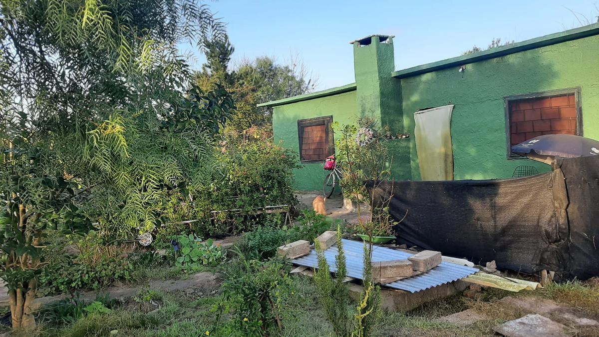 Foto Casa en Venta en  Colinas de Solymar ,  Canelones  A tres cuadras de interbalnearia
