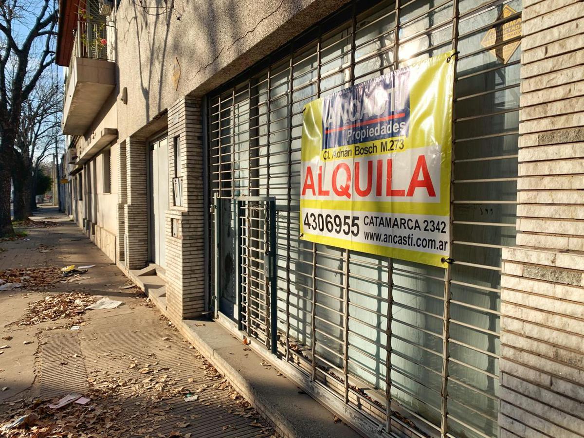 Foto Local en Alquiler en  Azcuenaga,  Rosario  San juan al 4500