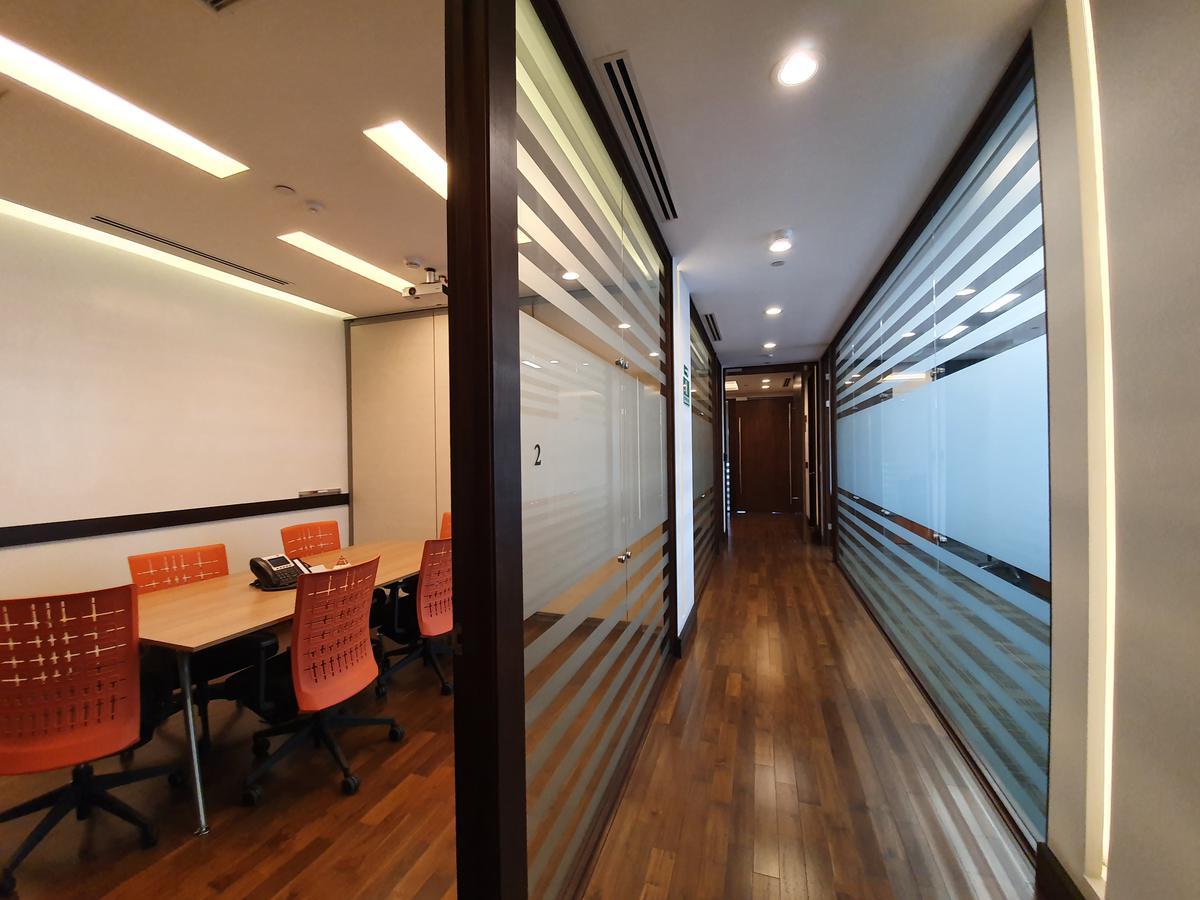 Foto Oficina en Renta en  Mata Redonda,  San José  Oficentro Premium / Equipada / Todos los servicios incluídos