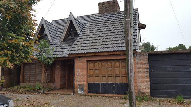 Foto Casa en Venta en  Monte Grande,  Esteban Echeverria  OCANTOS al 600