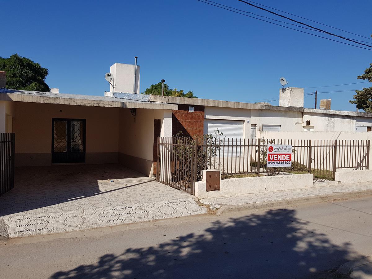 Foto Casa en Venta en  Toay ,  La Pampa  Pje. Yanquetruz al 1000