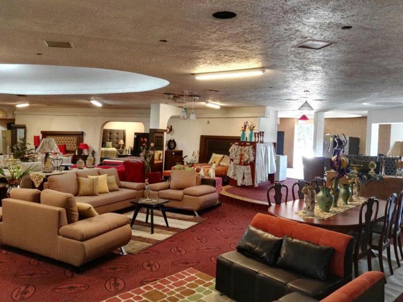 Foto Casa en Renta en  La Martinica,  León  Local en renta sobre Blvd. Francisco Villa/ León (Guanajuato)