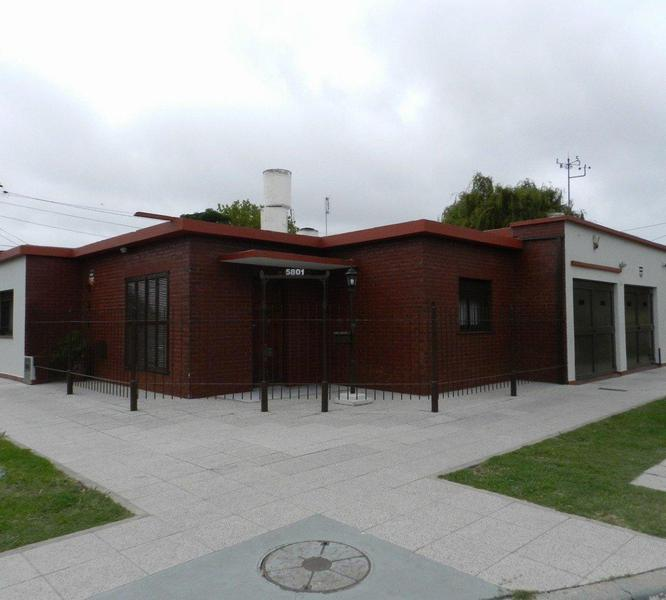 Foto Casa en Venta en  Los Pinares,  Mar Del Plata  Rio Negro  5801