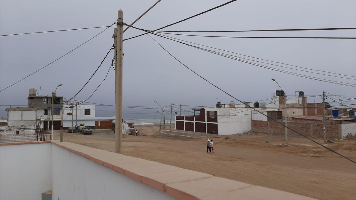 Foto Casa en Venta en  Punta Negra,  Lima  Avenida SANTA ROSA