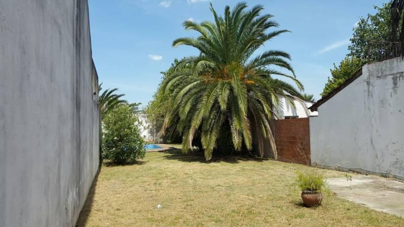 Foto Terreno en Venta en  Ituzaingó ,  G.B.A. Zona Oeste  Gervasio Posadas al 400