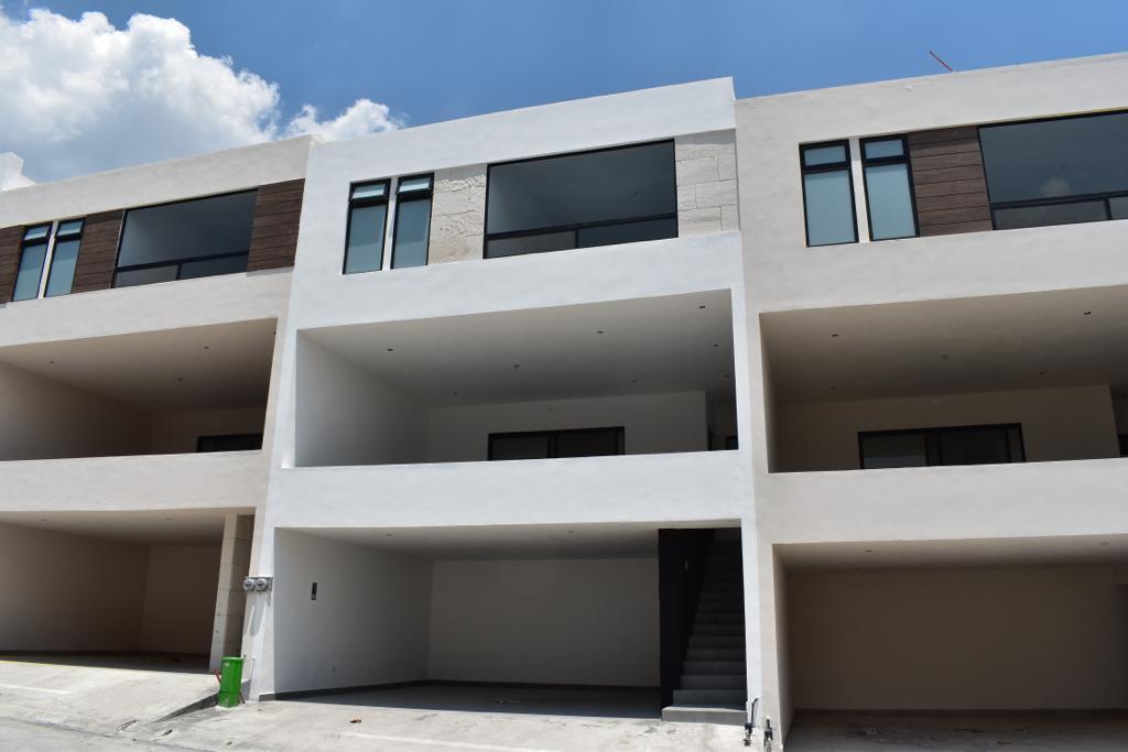 Foto Casa en Venta en  Paseo del Vergel,  Monterrey  Casa en Venta en Paseo de Vergel Zona Carr. Nacional (LJGC)