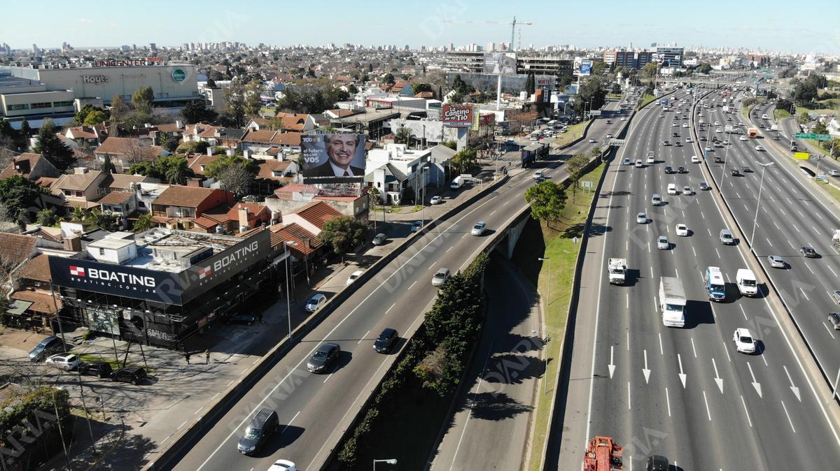 Foto Local en Alquiler en  Martinez,  San Isidro  Colectora Panamericana al 200