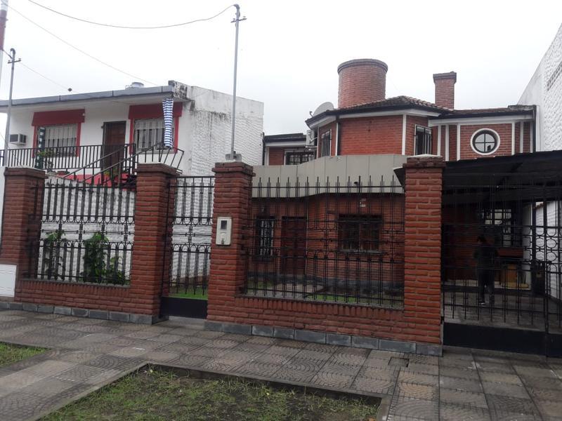 Foto Casa en Venta en  San Miguel De Tucumán,  Capital  maipu al 1600