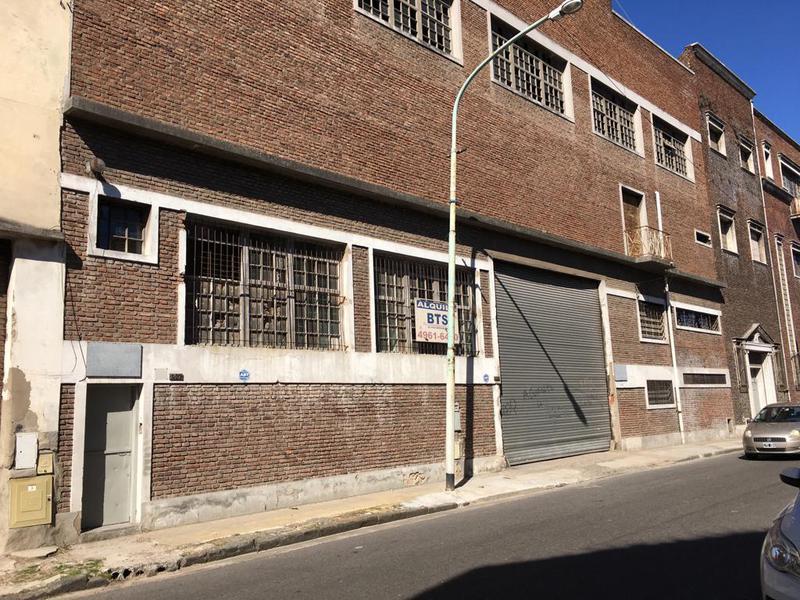 Foto Terreno en Venta en  Avellaneda,  Avellaneda  Montes De Oca 400