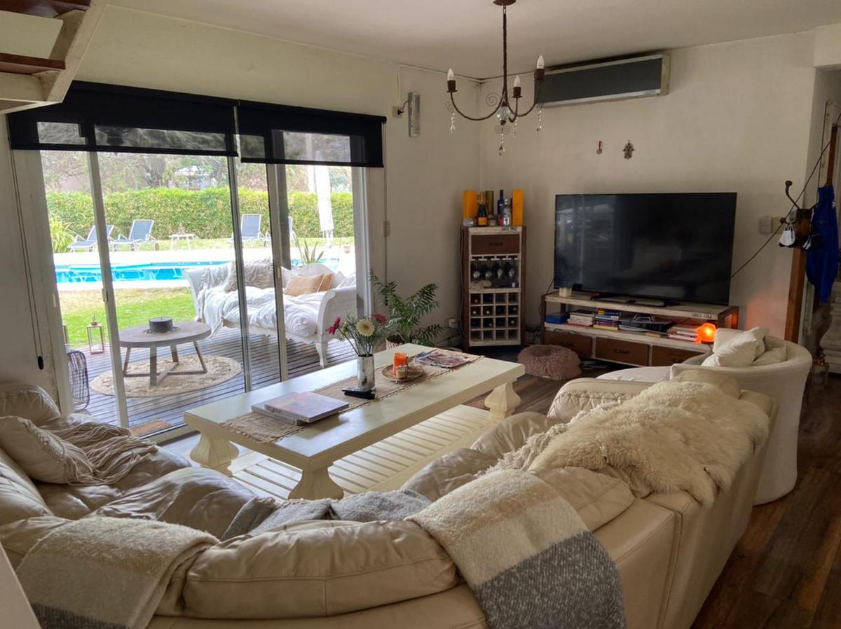 Foto Casa en Alquiler en  Los Cardales,  Countries/B.Cerrado (Campana)  Alquiler casa 4 dorm. en Los Cardales Country Club