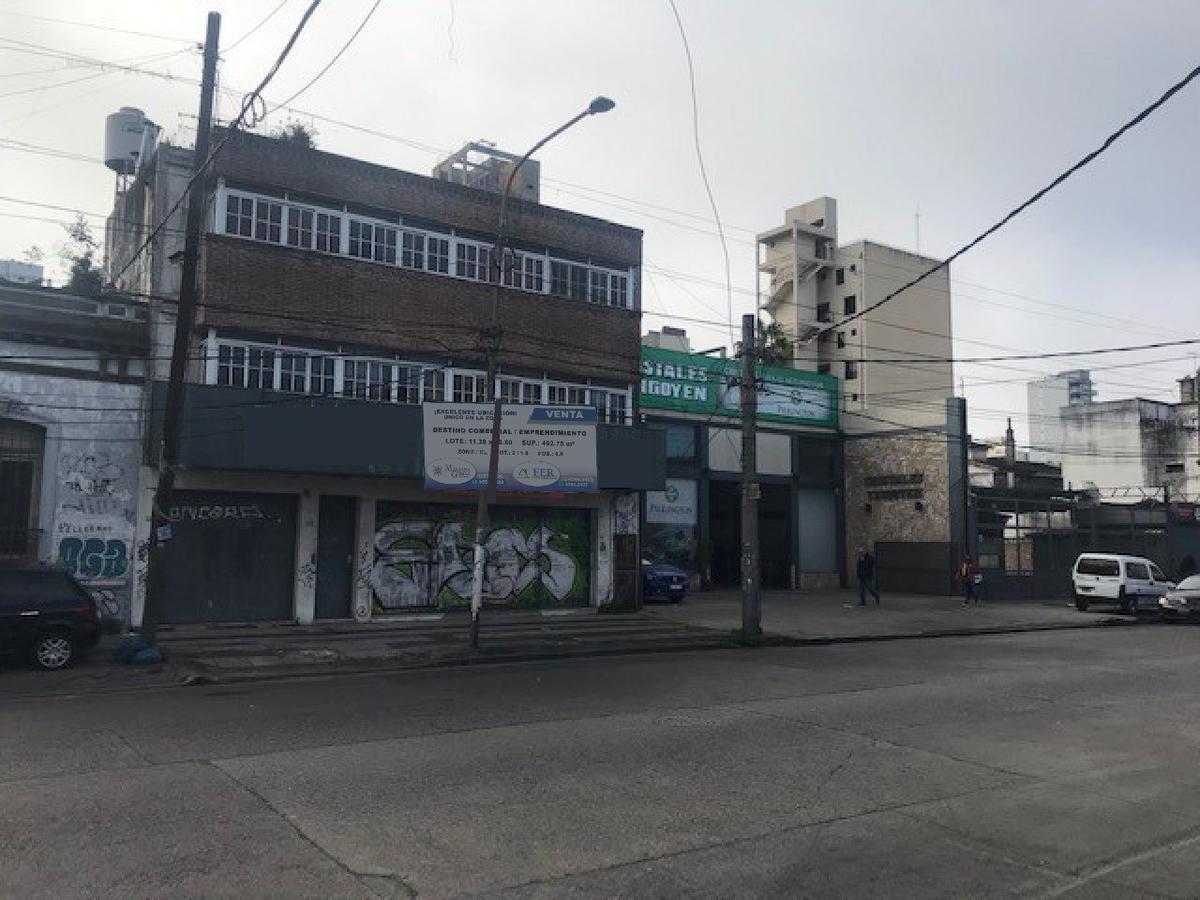 Foto Local en Venta en  Quilmes ,  G.B.A. Zona Sur  hipolito yrigoyen 320