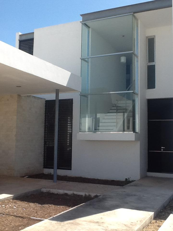 Foto Casa en Renta en  Mérida ,  Yucatán  CASA DE 4 HABITACIONES EN PRIVADA AL NORTE DE MÉRIDA