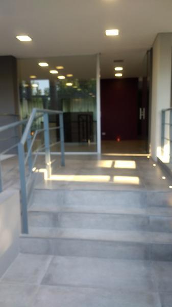 Foto Departamento en Venta en  Ituzaingó ,  G.B.A. Zona Oeste  Alvear al 900