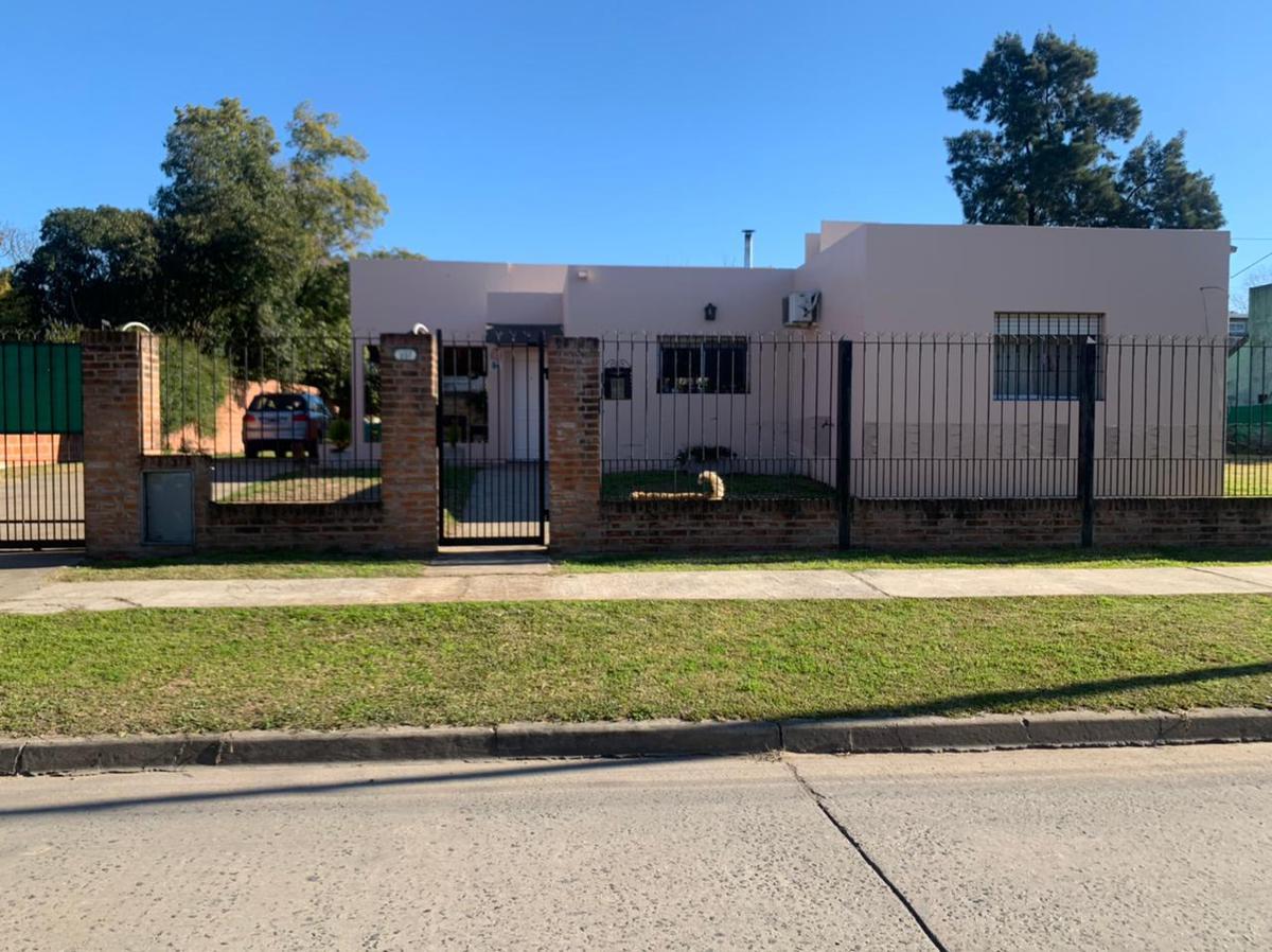 Foto Casa en Venta en  Tigre ,  G.B.A. Zona Norte  Cristobal Colon al 200
