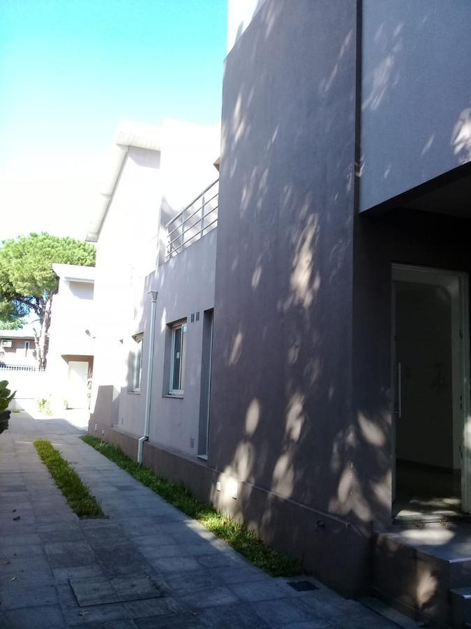 Foto Casa en Venta en  Lomas De Zamora,  Lomas De Zamora  Portela 1070