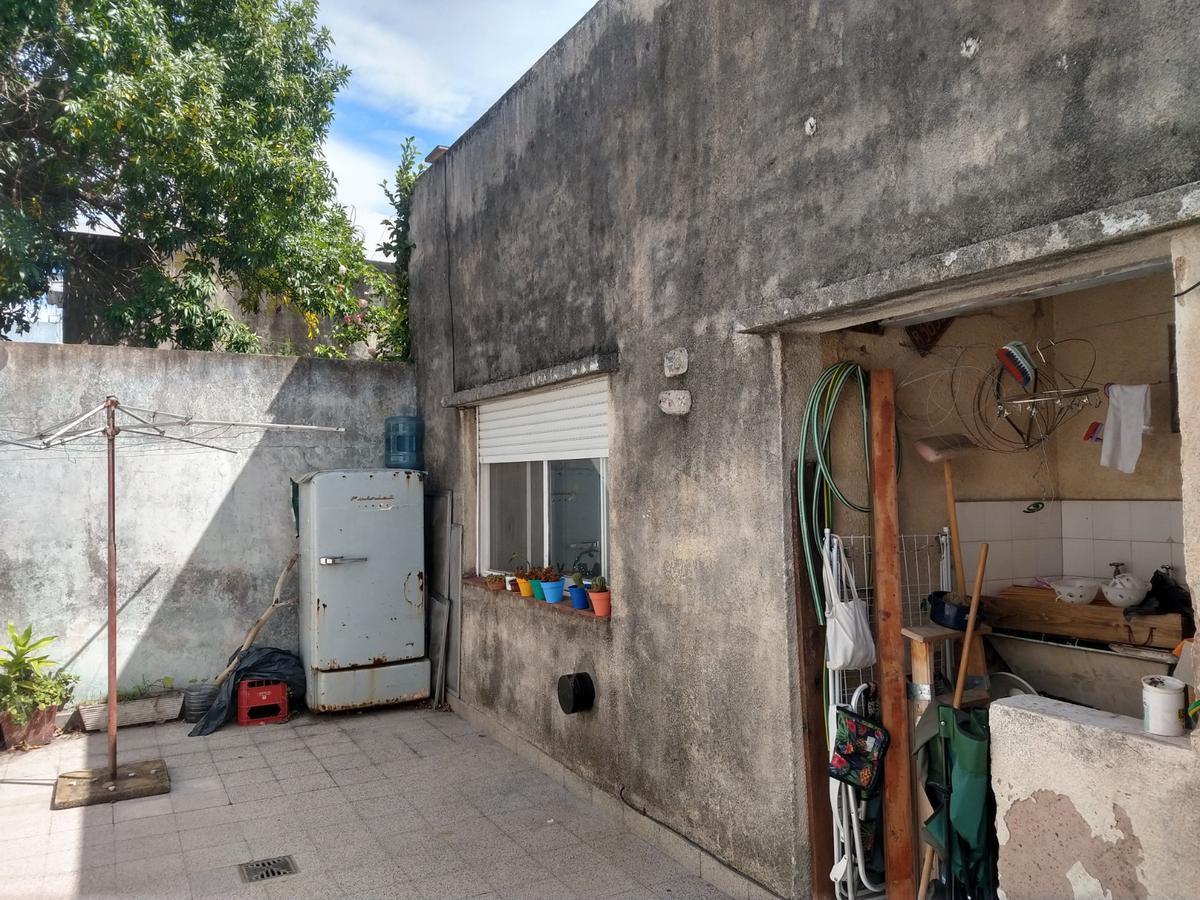 Foto Departamento en Venta en  Policlinico,  La Plata  64 al 200