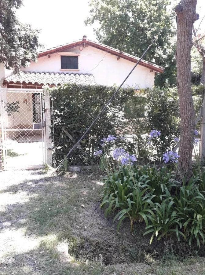 Foto Casa en Venta en  Manuel B Gonnet,  La Plata  490 y 21