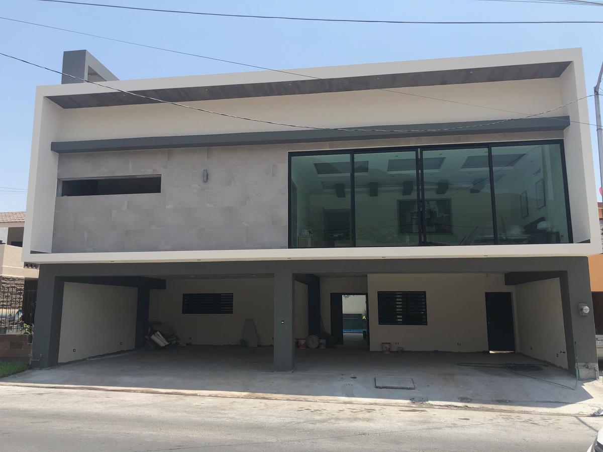 Foto Casa en Venta en  Cumbres 2do Sector,  Monterrey  Cumbres 2do Sector
