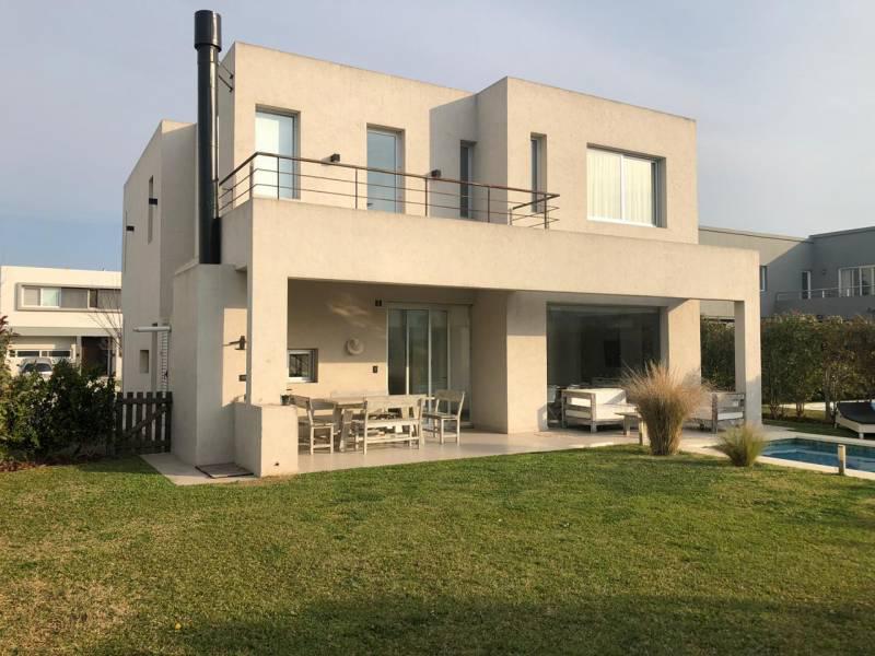 Foto Casa en Alquiler temporario en  Las Tipas,  Nordelta  Las Tipas (Nov/feb/mar) al 100