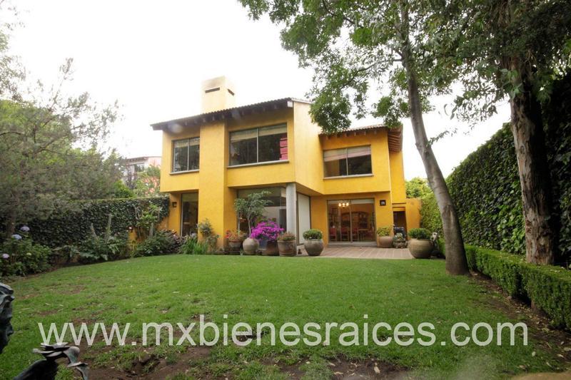 Foto Casa en Venta | Renta en  Jesús del Monte,  Huixquilucan  Hermosa Casa en El Cortijo