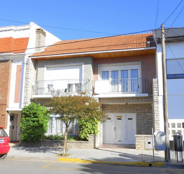 Foto Casa en Venta en  Mar Del Plata ,  Costa Atlantica  Corrientes entre Alvarado y Avellaneda