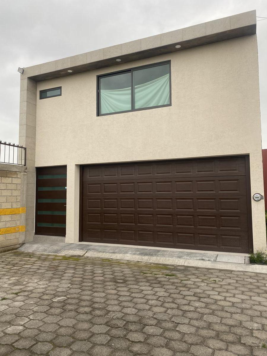 Foto Casa en Venta en  Lázaro Cárdenas,  Metepec  Cerrada jacarandas No. al 100