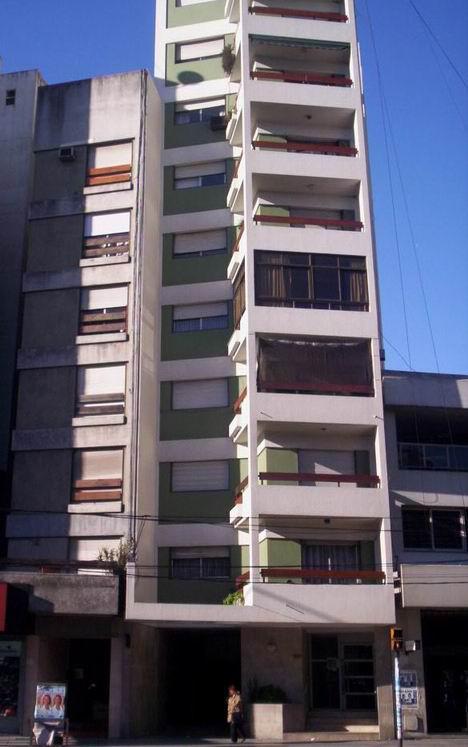 Foto Departamento en Alquiler en  Avellaneda ,  G.B.A. Zona Sur  Av. Mitre 644, Piso 9º, Depto. A