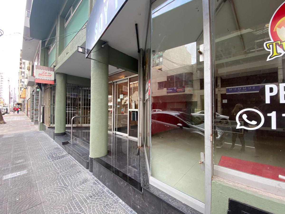 Foto Local en Alquiler en  Avellaneda,  Avellaneda  GENERAL PAZ 19 - LOCAL