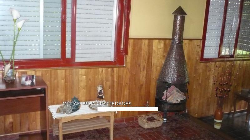 Foto Casa en Venta en  La Plata ,  G.B.A. Zona Sur      140 y 79