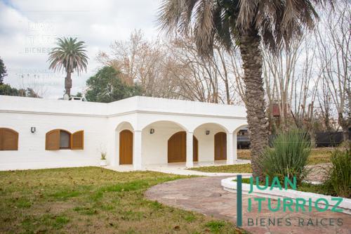 Foto Quinta en Venta en  Villa Elisa,  La Plata  13 entre 421 y 421bis