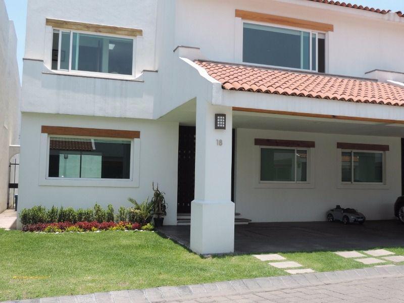 Foto Casa en Venta en  Amomolulco,  Lerma  Residencial Marbella Hermosa Residencia en venta