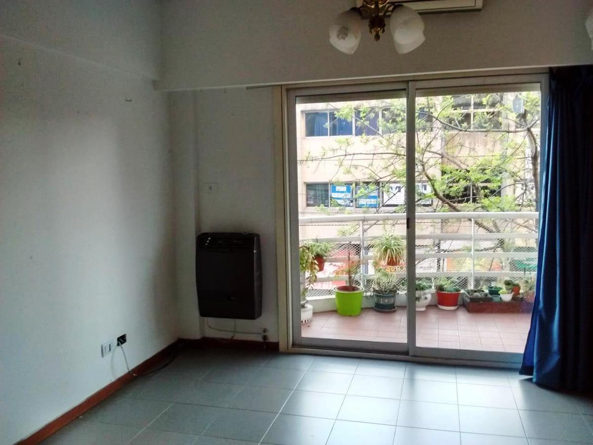 Foto Departamento en Venta en  Moron ,  G.B.A. Zona Oeste  Belgrano al 300