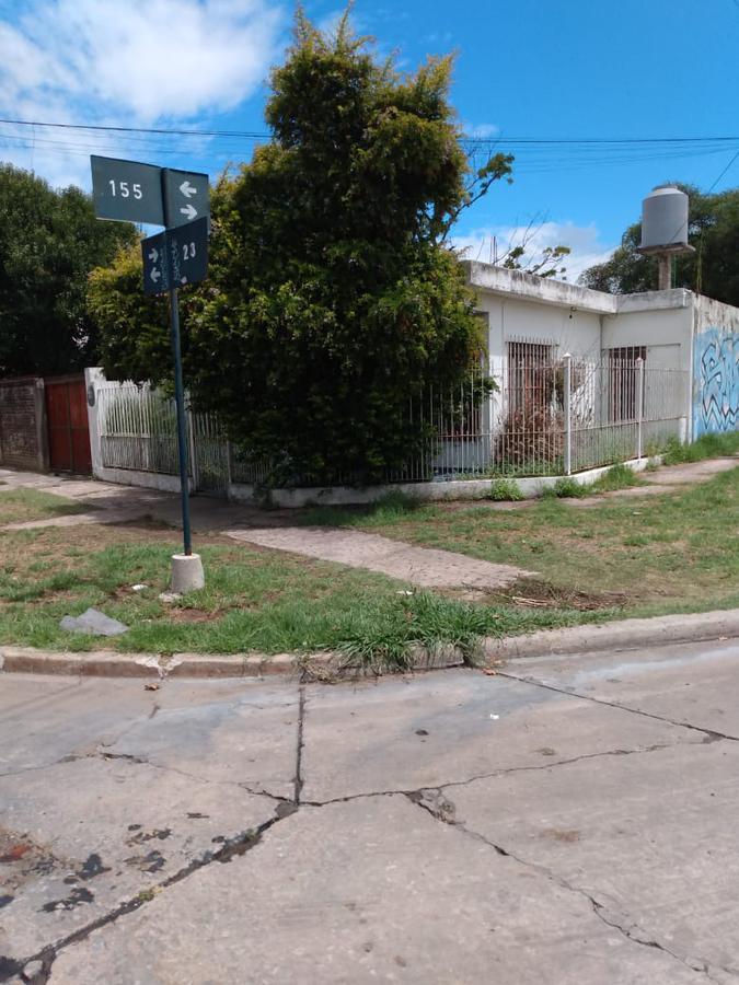 Foto Casa en Venta en  Berazategui,  Berazategui  Calle 23 n.5492 esq. 155