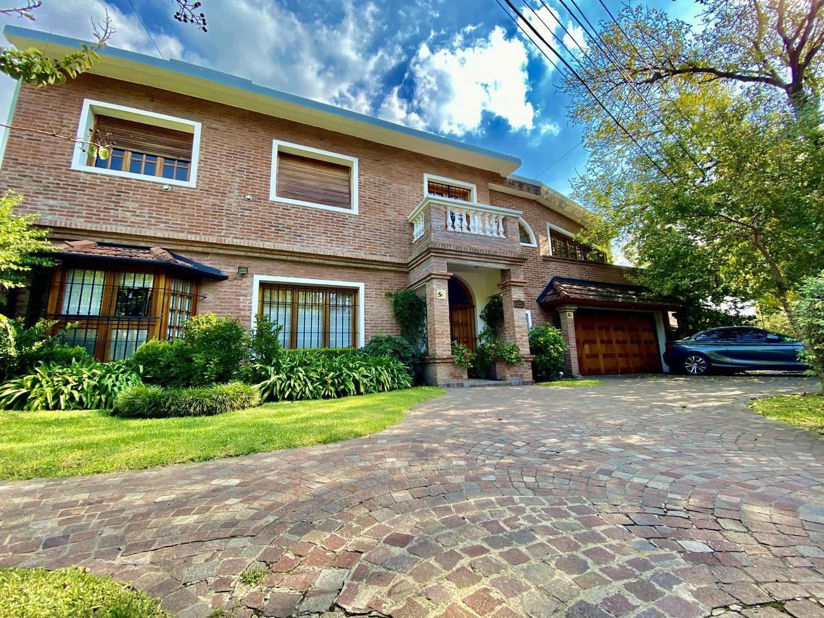 Foto Casa en Venta en  Boulogne,  San Isidro  Antártida Argentina al 700